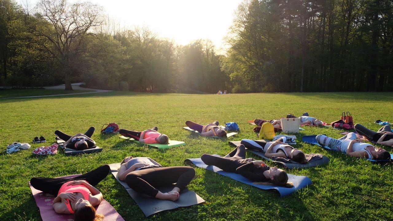 Geld verdienen mit Yogaunterricht