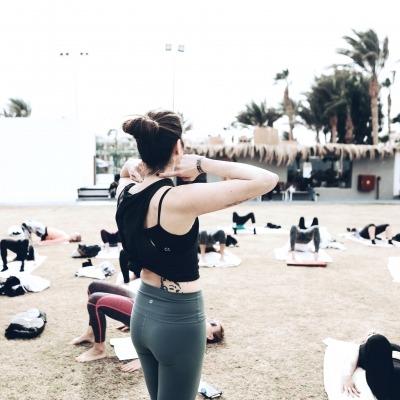 draußen Yoga mit Jana